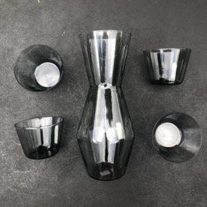 Karaf met vier glazen